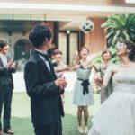 結婚式に遠方から参加の時に着替えはいつどこでする?持ち運び方は?